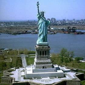 L'énigme de la statue de la liberté 280px-Estatua_de_La_Libertad